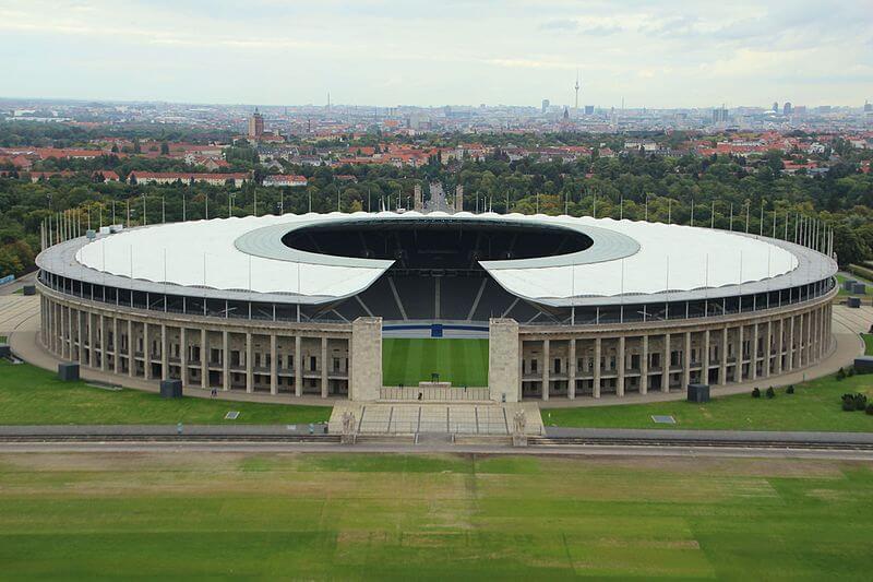 Pokal Wettbewerb im Olympia Stadion