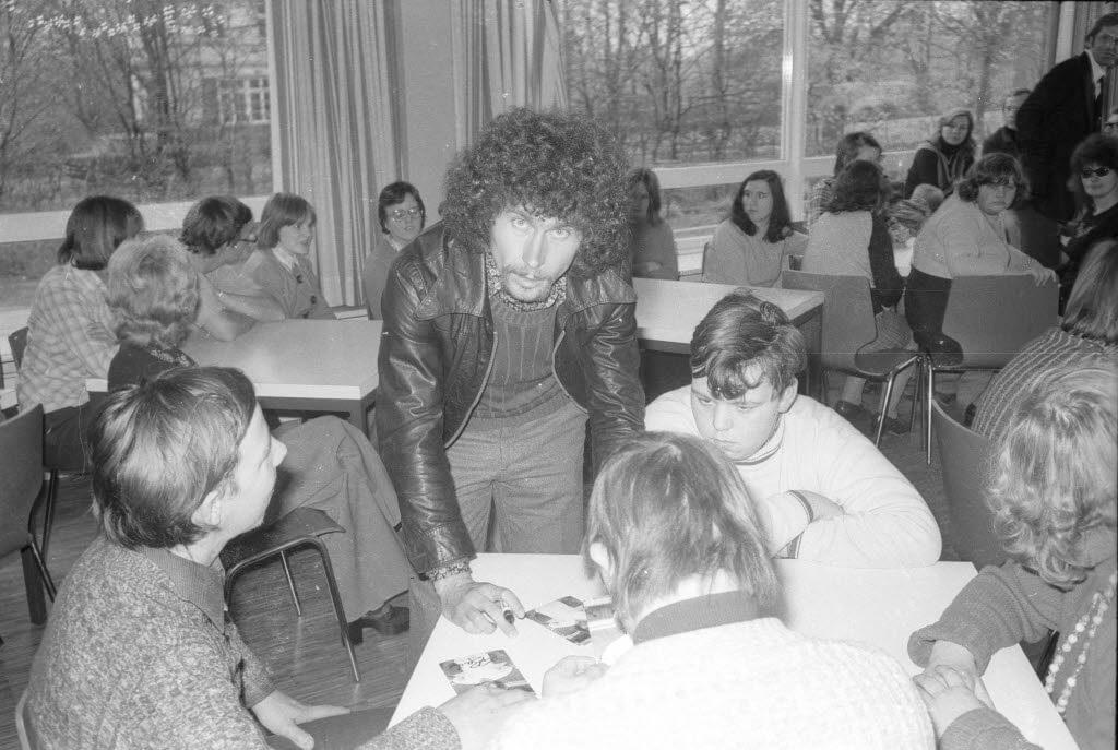 Breitner zeichnete sich durch soziales Engagement neben dem Fußball Spiel aus.