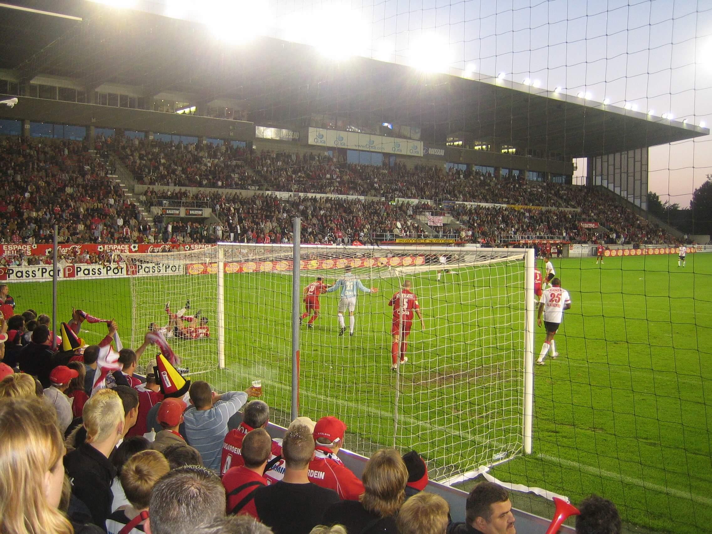 Match de football Royal Excelsior Mouscron v. Standard de Liège 19 05 2007